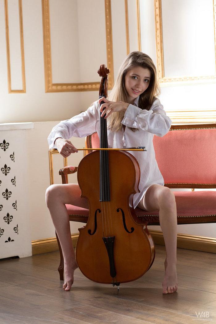 Кто же так играет на виолончели Whatch4Beauty, Mila Azul, Длиннопост
