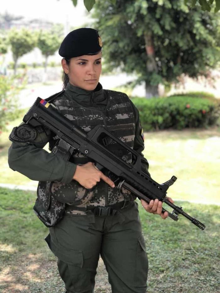 Израильтянка? Нет, венесуэльтянка. Венесуэла, Венесуэлки, Армия, Девушки и армия, Девушки