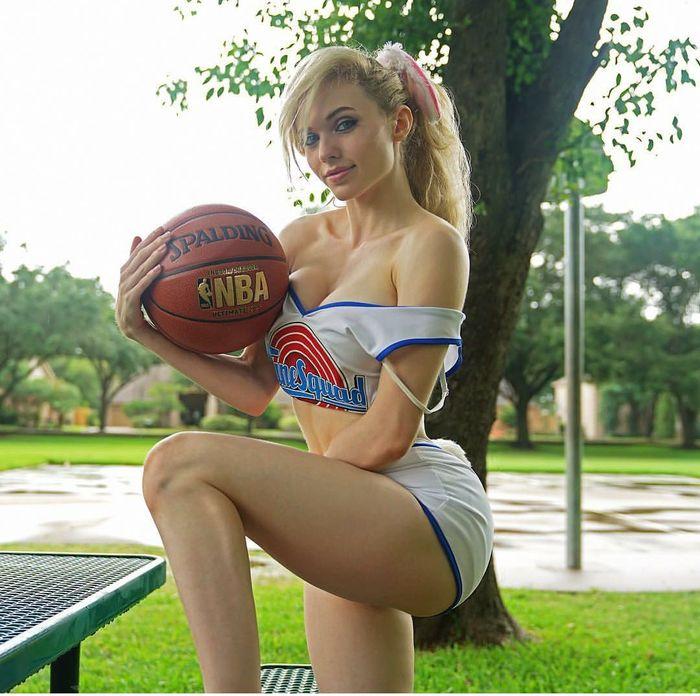 Сколько мячиков на фото?:) Лола Банни, Баскетбол, Косплей, Amouranth, Длиннопост