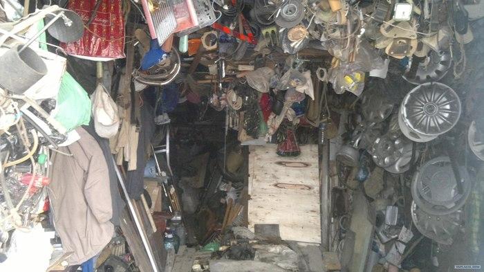 Ловитеstartup ( или мусором называется то, что нужно на следующий день после выбрасывания ) Гараж, Бардак на балконе