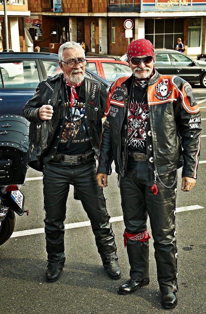 В Германии пенсионеры сбежали из дома престарелых ради рок-фестиваля. Новости, Позитив, Рок