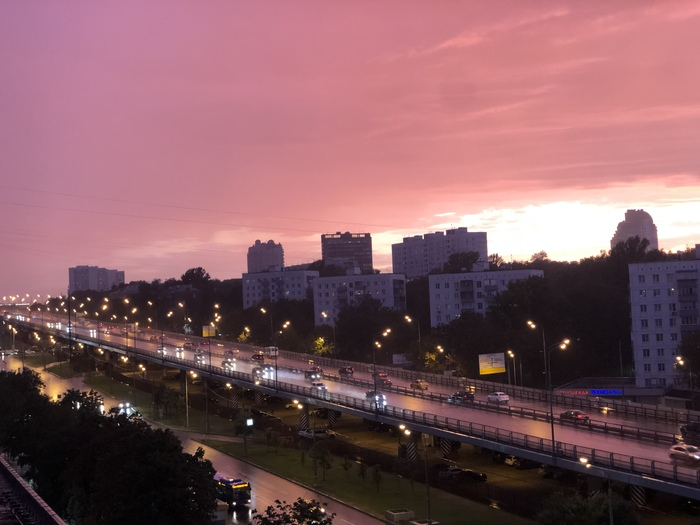 Мой район после грозы похож на вечерний Vice City из игры GTA GTA vice city, Москва, Фото после грозы, Можайское шоссе