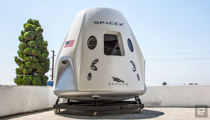 Фото сCrew Dragon Media Day. Crew Dragon, Dragon age, Spacex, Falcon 9, Илон Маск, Космос, Фотография, Длиннопост