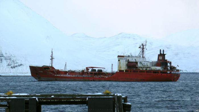 Российские судоходные компании прекращают поставки в Украину после задержания танкера Общество, Украина, Россия, Судно, Судоходство, Голос Америки, Министерство транспорта, Длиннопост