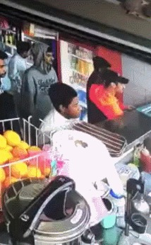 Когда увидел камеру видеонаблюдения