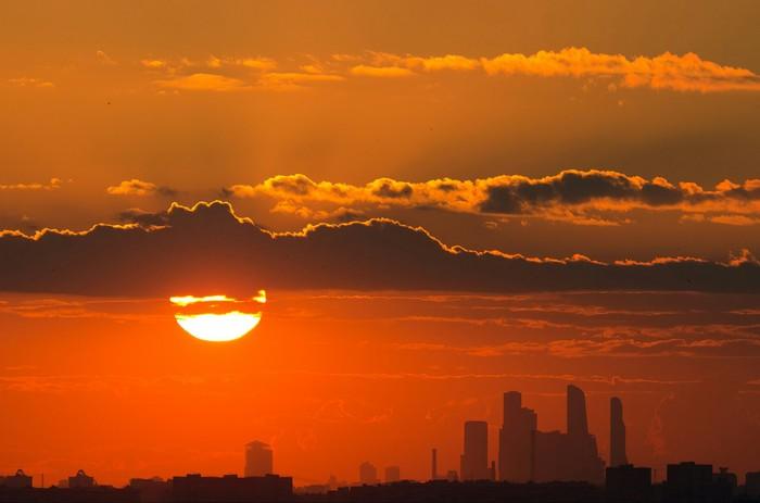 Москва-Сити на закате, с 30 км Москва-Сити, Городские пейзажи, Москва, Фотография
