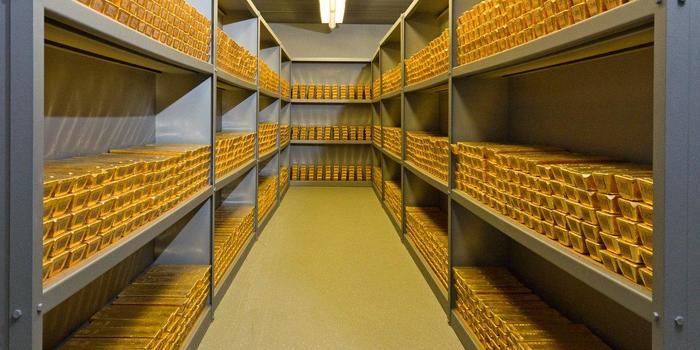 Центробанк закупает золото в преддверии американских санкций Политика, Экономика, Россия, Санкции против России, США, Центробанк РФ, Ruspostersru, Золото