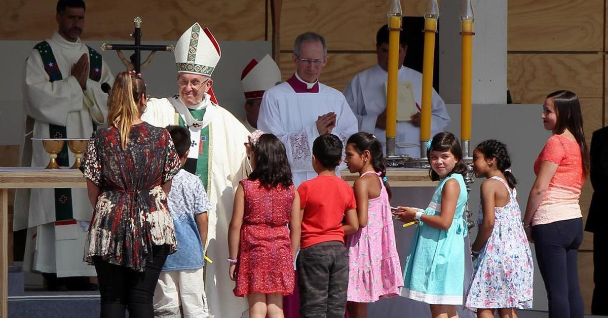 Во Франции насчитали тысячи жертв священников-педофилов
