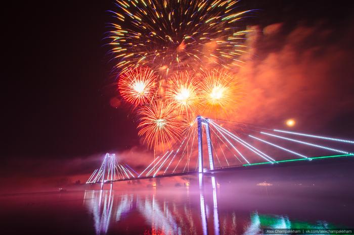 Праздничный салют в честь празднования Дня Города Красноярска Красноярск, Салют, День города, Фотография