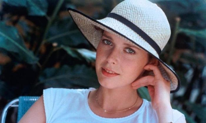 Имя артистки из порно фильма красной шапочки 80 годов