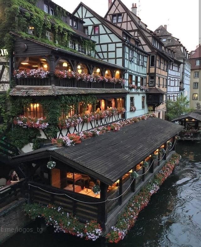 Страсбург, Франция.Автор -@suleaslaner