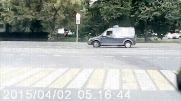 Прилетело #93 ДТП, Москва, Прилетело, Мото, Мотоциклист, Не уступил, Але-Оп, Гифка, Видео