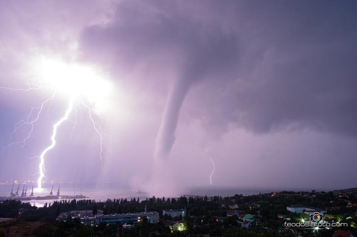 Минутка апокалипсиса в Крыму Крым, Апокалипсис, Буря, Смерч, Фотография, Дождь, Гроза