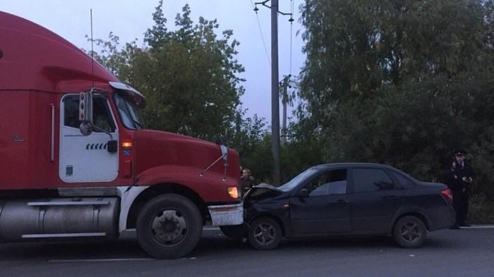 Водитель грузовика не дал скрыться омичу, насмерть сбившему двух пешеходов ДТП, Мужской поступок