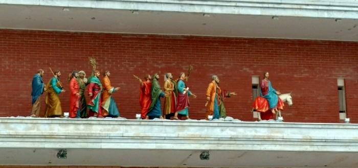 Двенадцать апостолов в Йошкар-Оле Туризм, Туристические места, Йошкар-Ола, Длиннопост