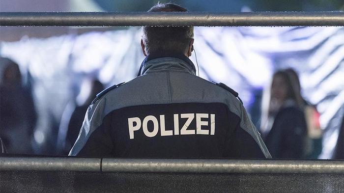 СМИ сообщили об аресте связанных с «делом Скрипалей» «российских шпионов» Швейцария, Секретная лаборатория, Шпион, Россия, Опятьскрипали, Политика