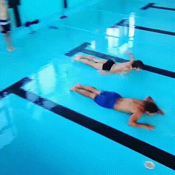 Да кому нужна вода, если есть целый бассейн