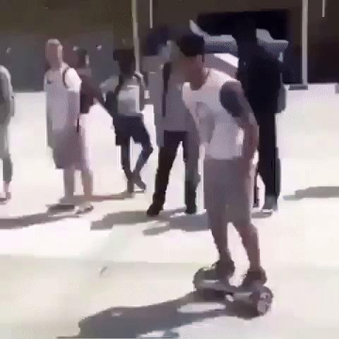 Крутой трюк на гироскутере