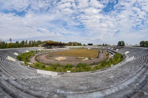 """Стадион """"Шахтер"""" в Донецке сейчас Стадион, Заброшенное, Природа, Длиннопост, Донецк"""