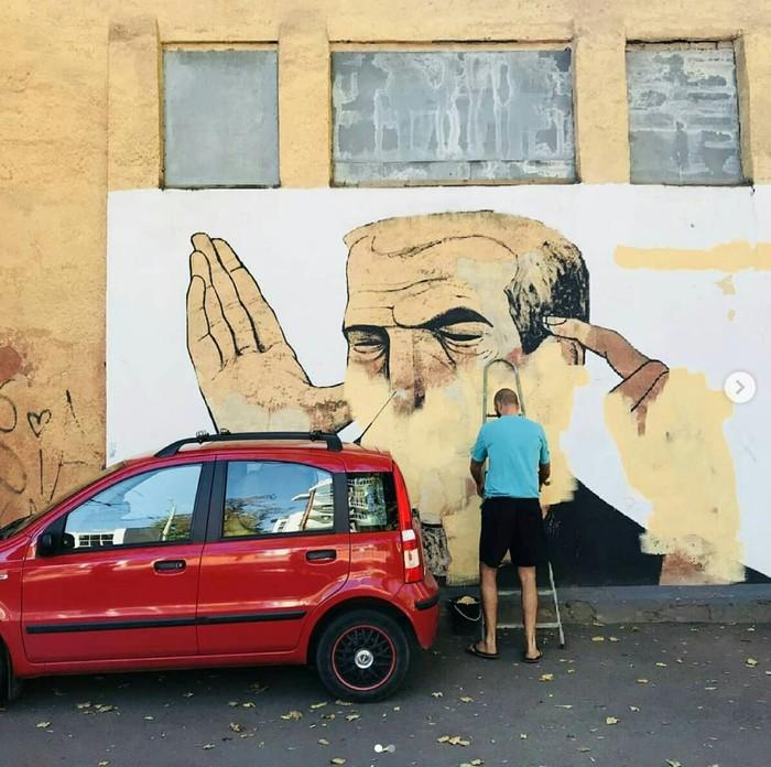 В Одессе так же зарисовали граффити Гамлета Зиньковського Одесса, Граффити, Длиннопост, Мурал