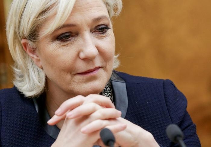 Суд отправил Марин Ле Пен к психиатру за публикацию фотографий ИГ в Twitter Марин ле Пен, Правосудие, Франция, Психиатрия, Запад, Демократия, Политика