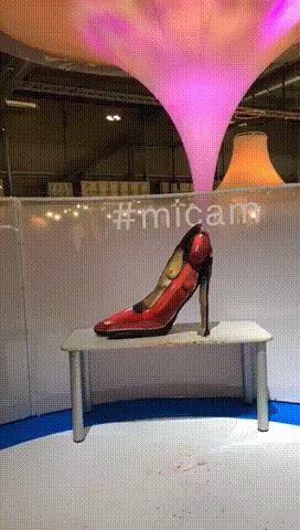 Как вам такие «туфли» ? Выставка, Обман зрения, Туфли, Гифка, Видео