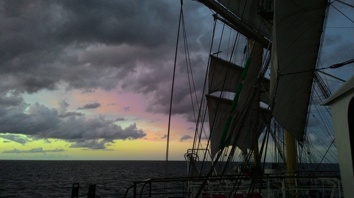Ещё рандомных фоточек с Мира вам в ленту Парусник Мир, Парусник, Море, Длиннопост