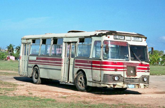 Наши на Кубе Автобус, Авто, Лиаз, Куба, СССР, Необычное, Забавное, Общественный транспорт, Длиннопост