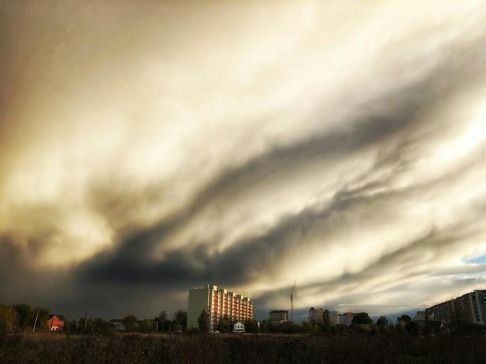 Лёгкая облачность над Тверью Облака, Тверь, Кажется дождик начинается
