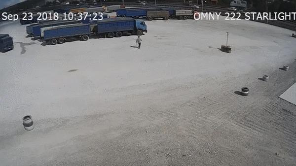 Зерновоз уехал без водителя ДТП, Авария, Камаз, Без водителя, Гифка, Новороссийск