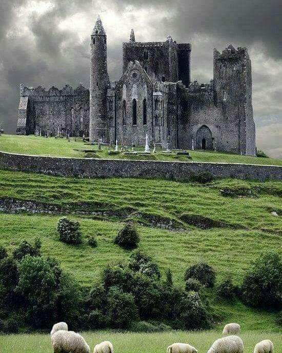 Замок Кашел, Ирландия.