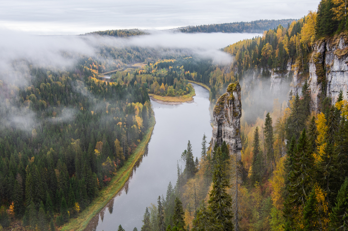 Магическое утро на реке Усьва, Пермский край.