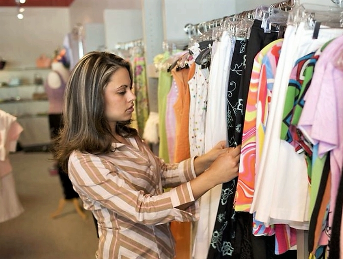 В бутиках Испании за примерку одежды могут ввести плату.... Испания, Шопинг, Магазин, Европа, Евросоюз, Заграница, Жизнь за границей