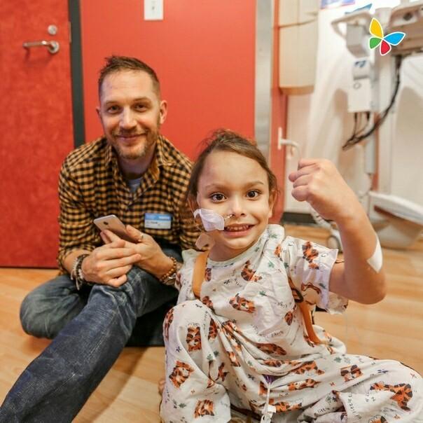 Том Харди в одном из госпиталей Лос-Анджелеса Том Харди, Госпиталь, Актеры, Лос-Анджелес, Длиннопост