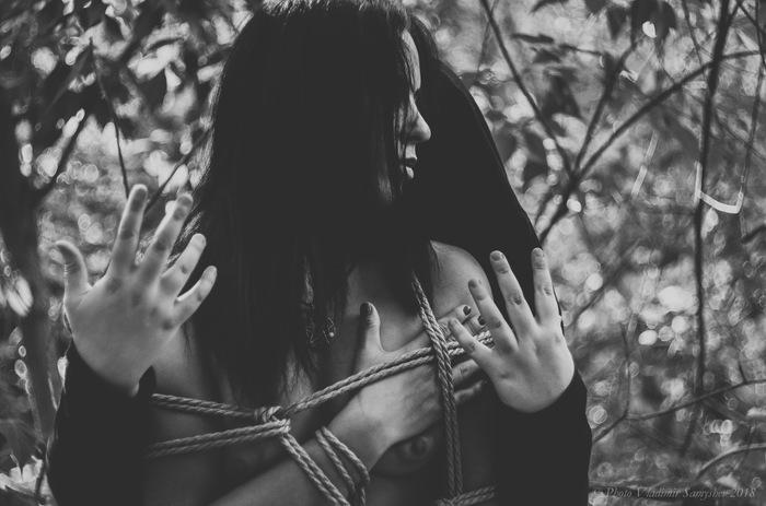 Верёвочно-бондажное: Чёрно-белое, мрачное Бондаж, Shibari, BDSM, Фетиш, Связывание, Эротика, Длиннопост