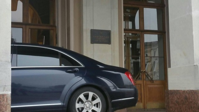 Как паркуется ВРИО губернатор Беглов у Законодательного собрания Общество, Россия, Царь, Губернатор, Нарушение ПДД, ГИБДД, Facebook, Закон