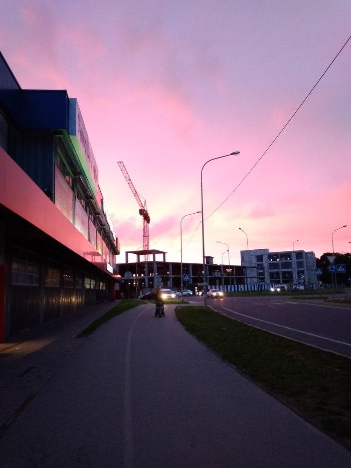 Розовый закат.  Завораживающее зрелище!