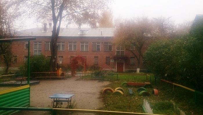 В Екатеринбурге, в детском саду на Уралмаше, мужчина застрелил воспитательницу и покончил с собой. Новости, Стрельба, Дети