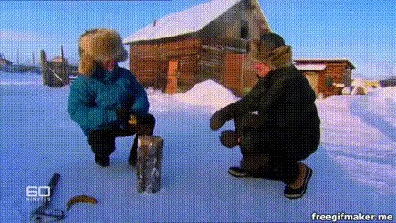 В некоторых частях Сибири бывает так холодно, что можно забить гвоздь бананом.