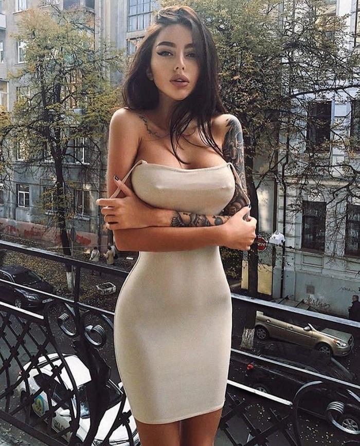 Платье и девушка 70.0