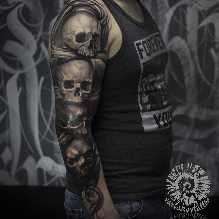 Классика. Черепа, черепушки, черепочки ;) Tattoo, Skulls, Тату, Татуировщик, Лига любителей татуировки, Череп, Готика, Москва, Видео