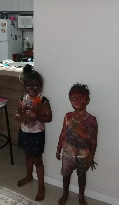 """""""У моих кузенов была вечеринка с краской в детском саду. Теперь они выглядят как персонажи мультфильма после взрыва бомбы"""""""