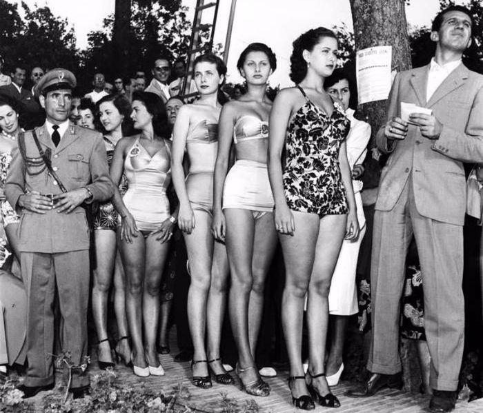 15-летняя Софи Лорен на конкурсе Мисс Италия '1950 Актриса, Софи Лорен, 1950-х, Конкурс красоты, Италия, Фотография, История, Старое фото, Длиннопост