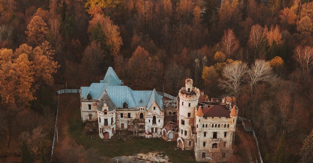 поделитесь замок храповицкого в поселке муромцево фото известно