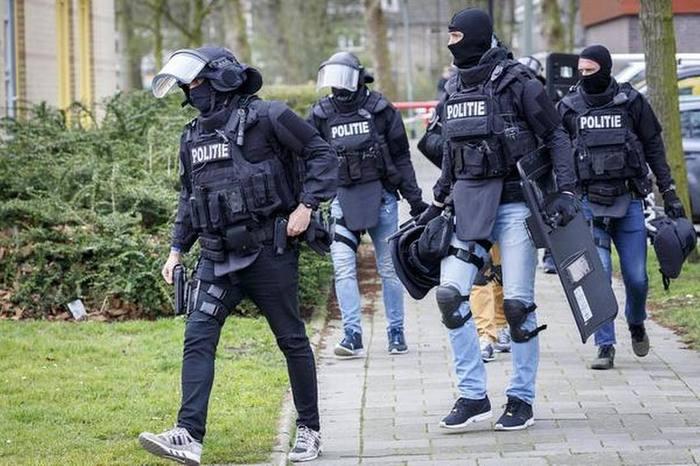 Сотрудники голландского спецподразделения DSI - как отдельный вид моды Dsi, Голландия, Нидерланды, Полиция, Спецназ, Мода, Стиль, Милитари, Длиннопост