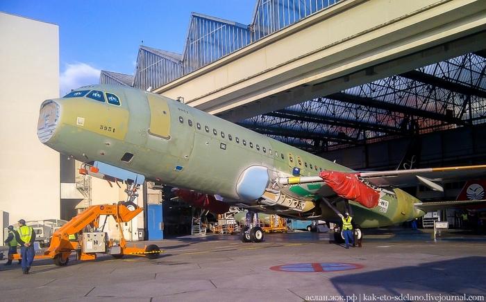 Как собирают самолеты Airbus. Часть 2 Самолет, Длиннопост, Airbus, Видео