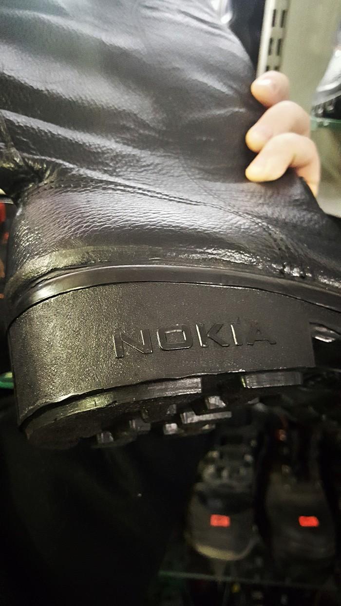 Рабочие сапоги Nokia