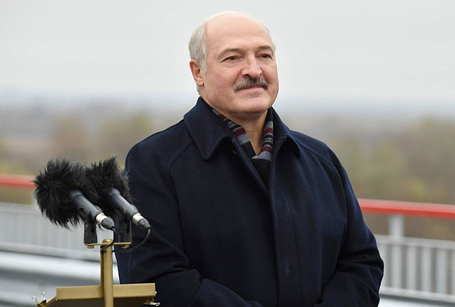 Лукашенко: Октябрьская революция — это не переворот. Это праздник мира и прав человека Лукашенко, Беларусь, Белоруссия, Октябрьская Революция, Мост, Припять, Праздники, Президент
