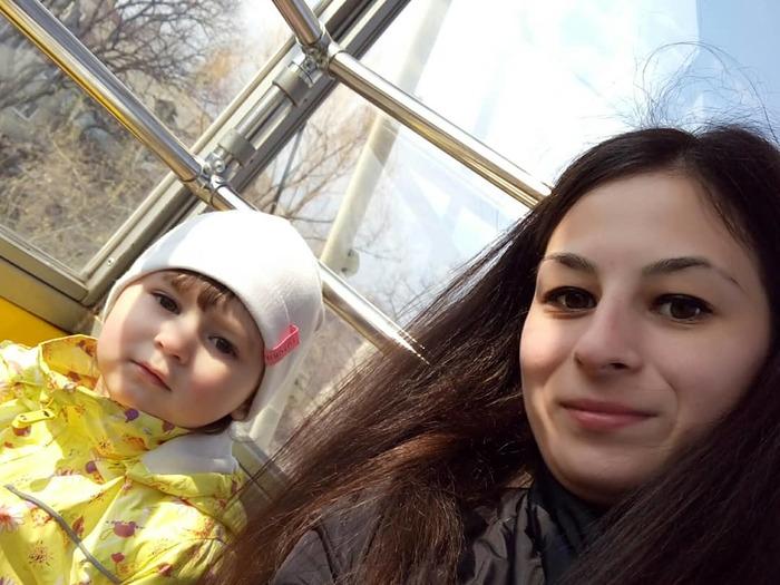 Молодая мама из Ульяновска спасла замерзающую полуторагодовалую девочку, которую оставили спящей в кустах на голой земле Гордость России, Герои, Спасение, Длиннопост, Негатив, Родители и дети