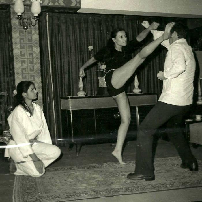 """Моя бабушка на занятиях каратэ, 1965 г."""
